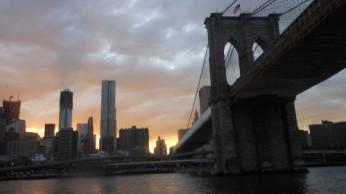 Le Brooklyn Pont et Manhattan derrière