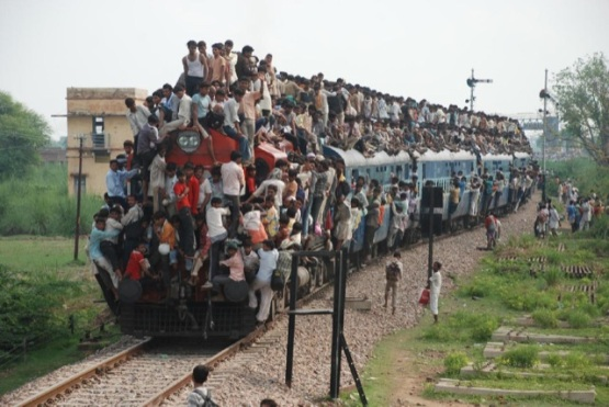 Train surchargé en Inde